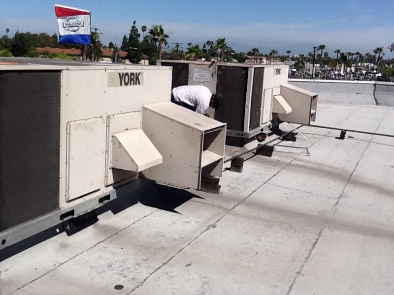 Orange County commercial roof top air conditioners. Sales/Repair/Installation